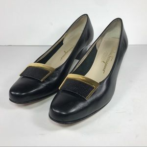 Salvatore Ferragamo Black Heels Pumps Gold Sz 8 AA